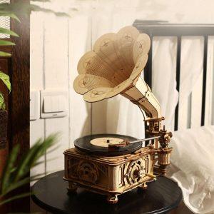Hand Crank Classic Gramophone
